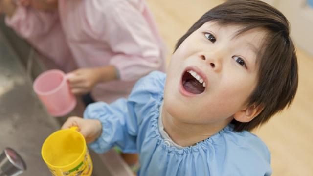 Trẻ bị viêm amidan tái phát nhiều lần