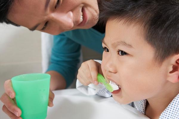 Vệ kinh răng miệng không đúng cách có thể dẫn đến viêm amidan