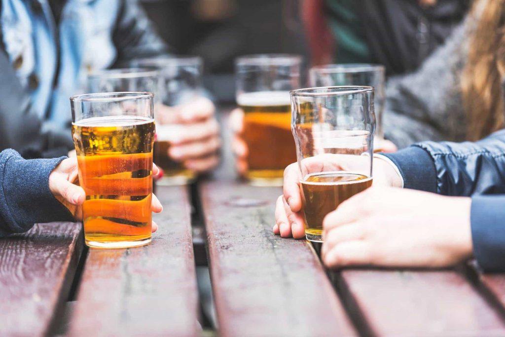 Rượu bia làm tăng nguy cơ ung thư