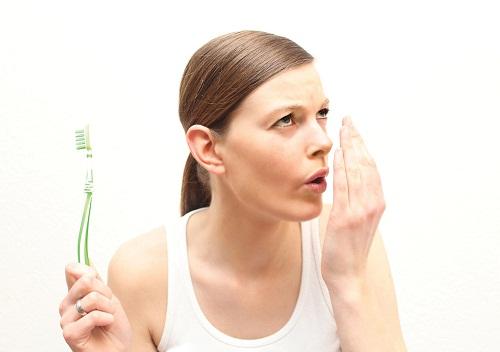 Vệ sinh kém ảnh hưởng xấu đến sức khỏe răng miệng