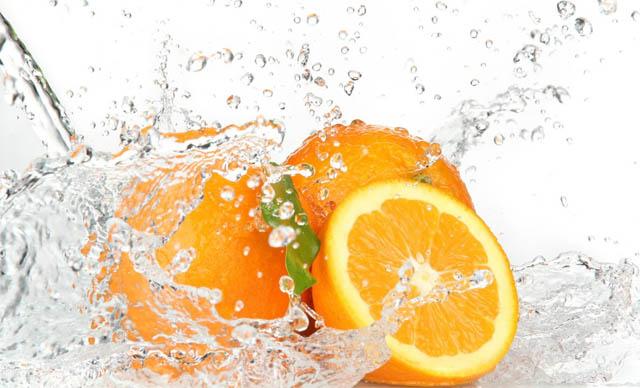 Viêm họng có nên uống nước cam