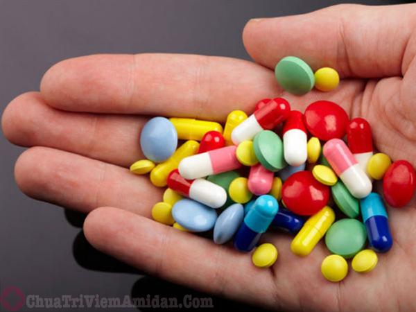 Sử dụng thuốc điều trị viêm họng mãn tính