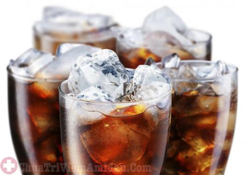 Bị viêm Amidan hốc mủ khi mang thai không nên uống nước ngọt