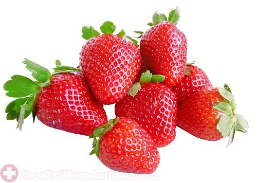 Người bệnh viêm họng nên bổ sung nhiều trái cây