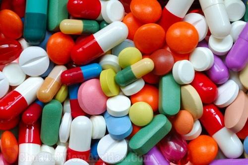 Điều trị viêm họng trắng bằng thuốc Tây y