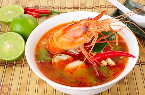 Khi bị viêm amidan mãn tính nên kiêng ăn đồ ăn cay nóng