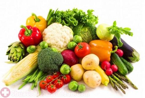 Người bệnh viêm amidan mãn tính nên ăn nhiều rau xanh