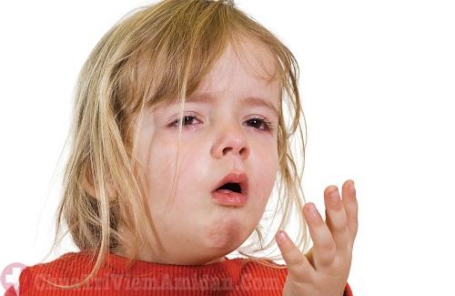 Viêm amidan gây buồn nôn