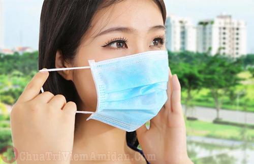 Phòng ngừa viêm họng bằng cách tránh bụi bẩn