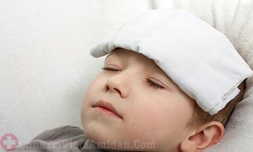 Trẻ bị sốt cao sau nạo VA có nguy hiểm không?